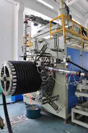 PE双平壁塑钢复合管材生产线