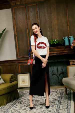 字母印花品牌女装T恤