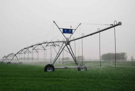 华雨电动圆形喷灌机